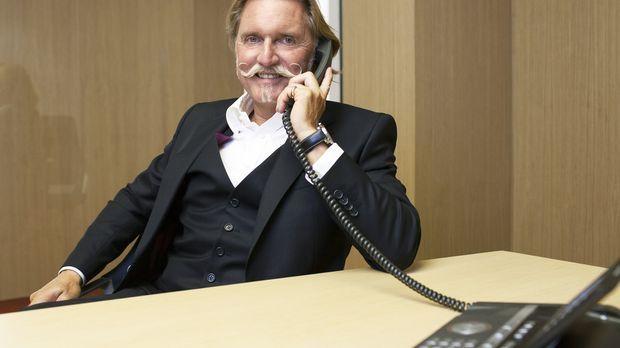 In Sachen Recht lässt sich Anwalt Ingo Lenßen nichts vormachen. Daher klärt e...