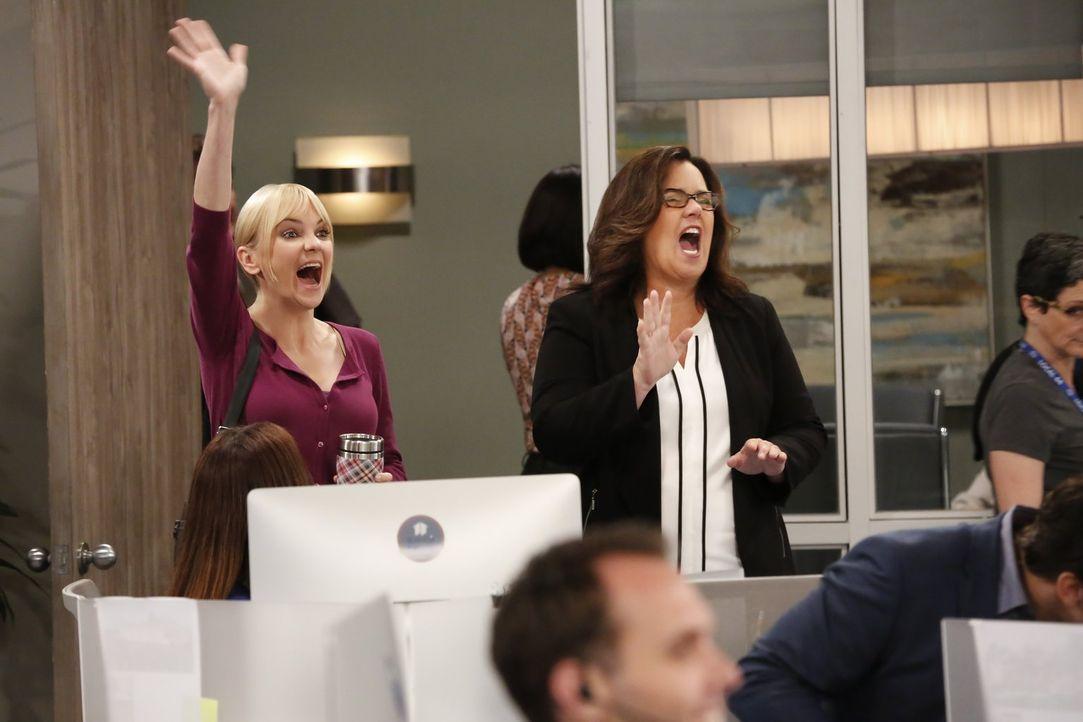 Bonnies Ex-Freundin Jeanine (Rosie O'Donnell, l.) bringt nicht nur Christys (Anna Faris, l.), sondern auch Adams Leben ziemlich durcheinander ... - Bildquelle: 2016 Warner Bros. Entertainment, Inc.