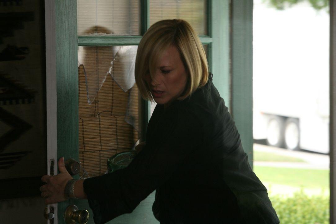 Allison (Patricia Arquette) muss erkennen, dass sie zu spät im Haus von Peter Connolly angekommen ist ... - Bildquelle: Paramount Network Television