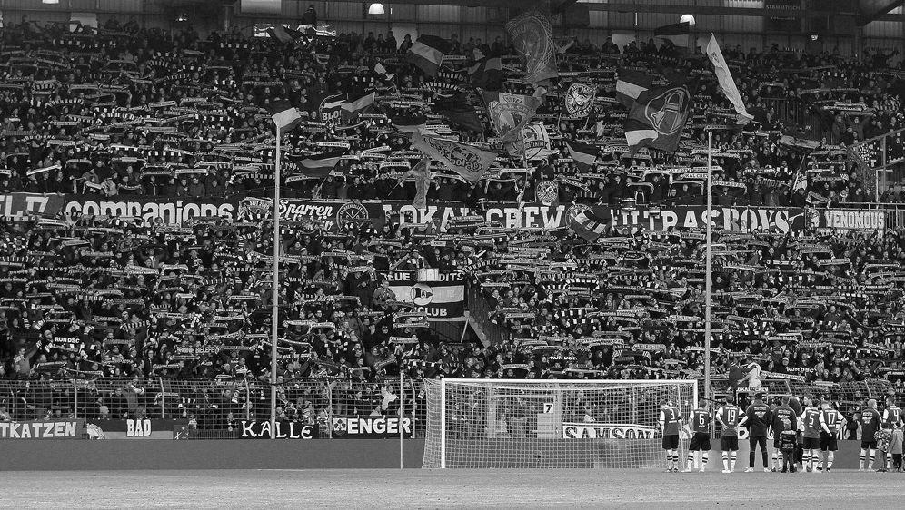 Buttkus war seit 1983 Stadionsprecher der Arminia - Bildquelle: FIROFIROSID
