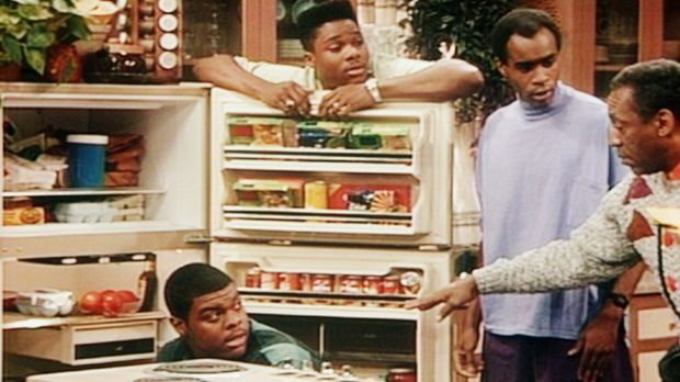 Cliff (Bill Cosby, r.) hat kein Verständnis dafür, wenn sich Theo (Malcolm-Ja...
