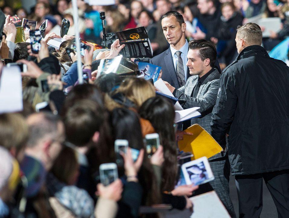 Premiere-Mockingjay-Josh-Hutcherson-15-11-04-1-dpa - Bildquelle: dpa
