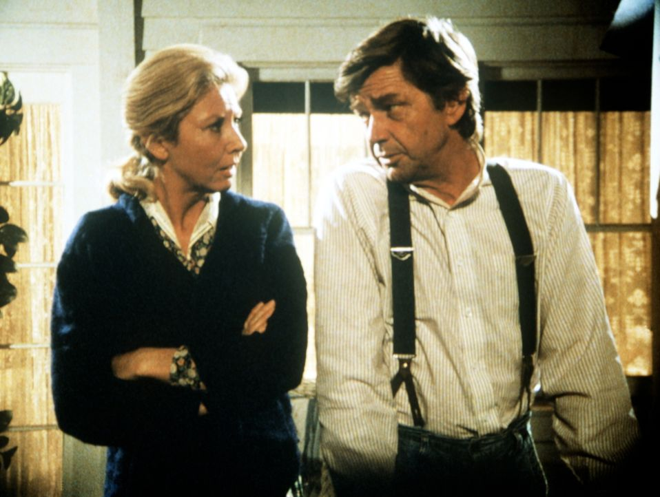 Olivia (Michael Learned, l.) und John (Ralph Waite, r.) machen sich Sorgen um Jason. - Bildquelle: WARNER BROS. INTERNATIONAL TELEVISION