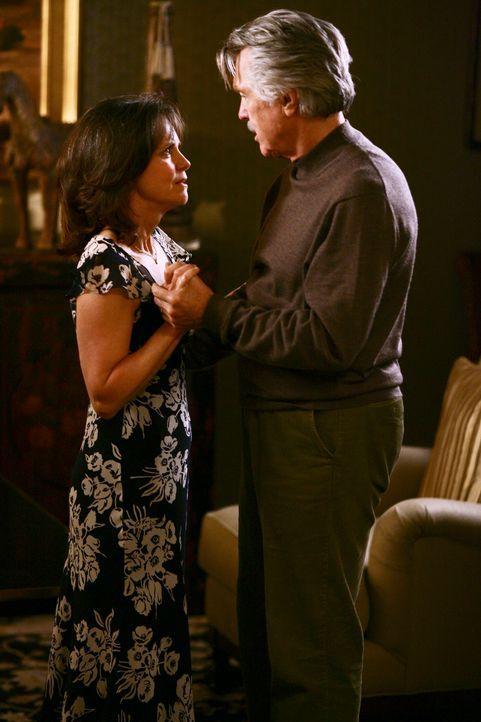 Führen seit vielen Jahren eine scheinbar gute Ehe: William (Tom Skerritt, r.) und Nora Walker (Sally Field, l.) ... - Bildquelle: Disney - ABC International Television