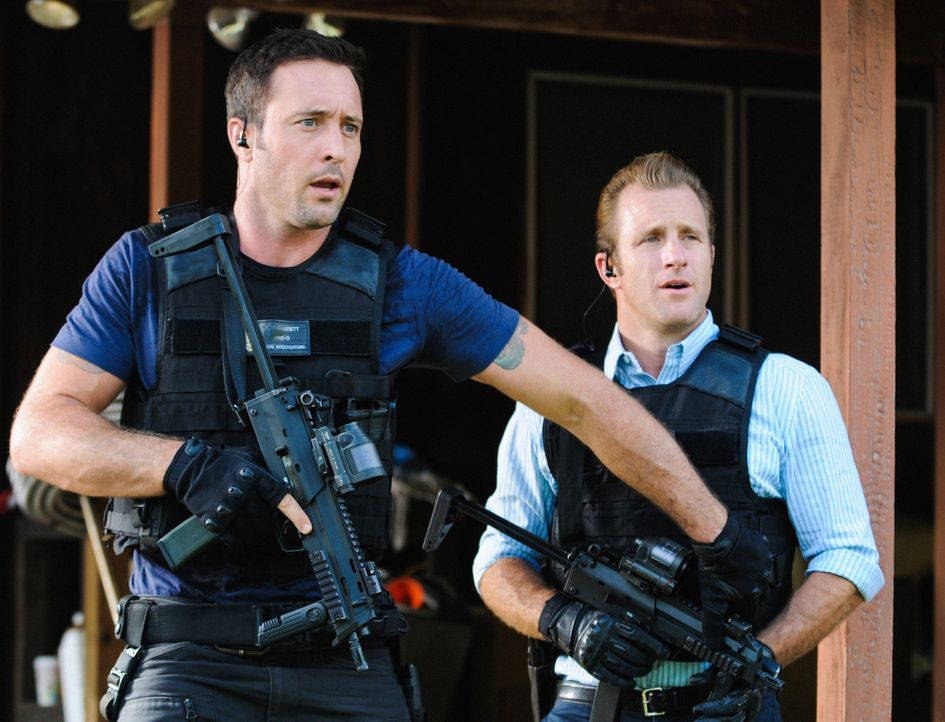 Als eine Chirurgin ermordet wird, müssen Danny (Scott Caan, r.) und Steve (Alex O'Loughlin, l.) ermitteln, um den Täter zu fassen ... - Bildquelle: Norman Shapiro 2014 CBS Broadcasting Inc. All Rights Reserved.