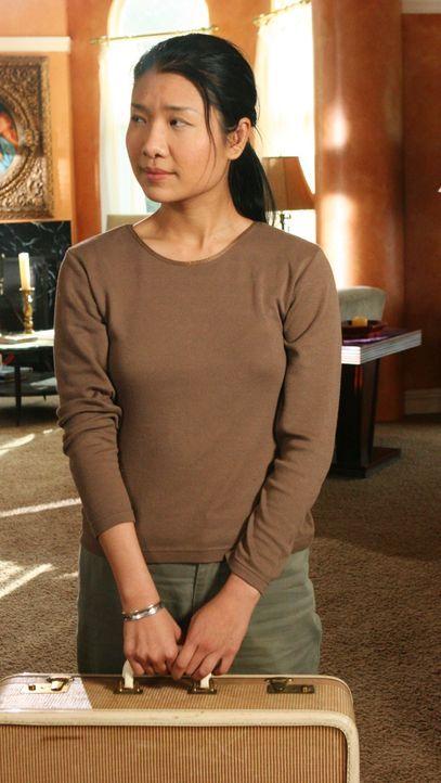 Nachdem herausgekommen ist, dass Maxime Bennett, eine chinesische Sklavin (Gwendoline Yeo) in ihrem Haus gehalten hat, soll sie zurück nach China ge... - Bildquelle: 2005 Touchstone Television  All Rights Reserved