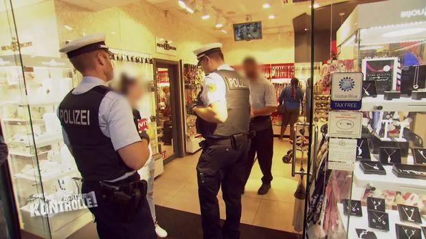 Achtung Kontrolle - Achtung Kontrolle! - Thema U.a.: Diebstahl - Bundespolizei Hamburger Hauptbahnhof