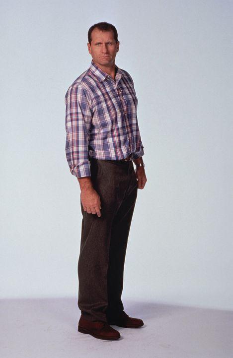 (8. Staffel) - Al Bundys (Ed O'Neill) Vorlieben sind: die Teilnahme an Sportereignissen - vor dem Fernseher aus - sowie Bier und Nacktmagazine. - Bildquelle: Sony Pictures Television International. All Rights Reserved.