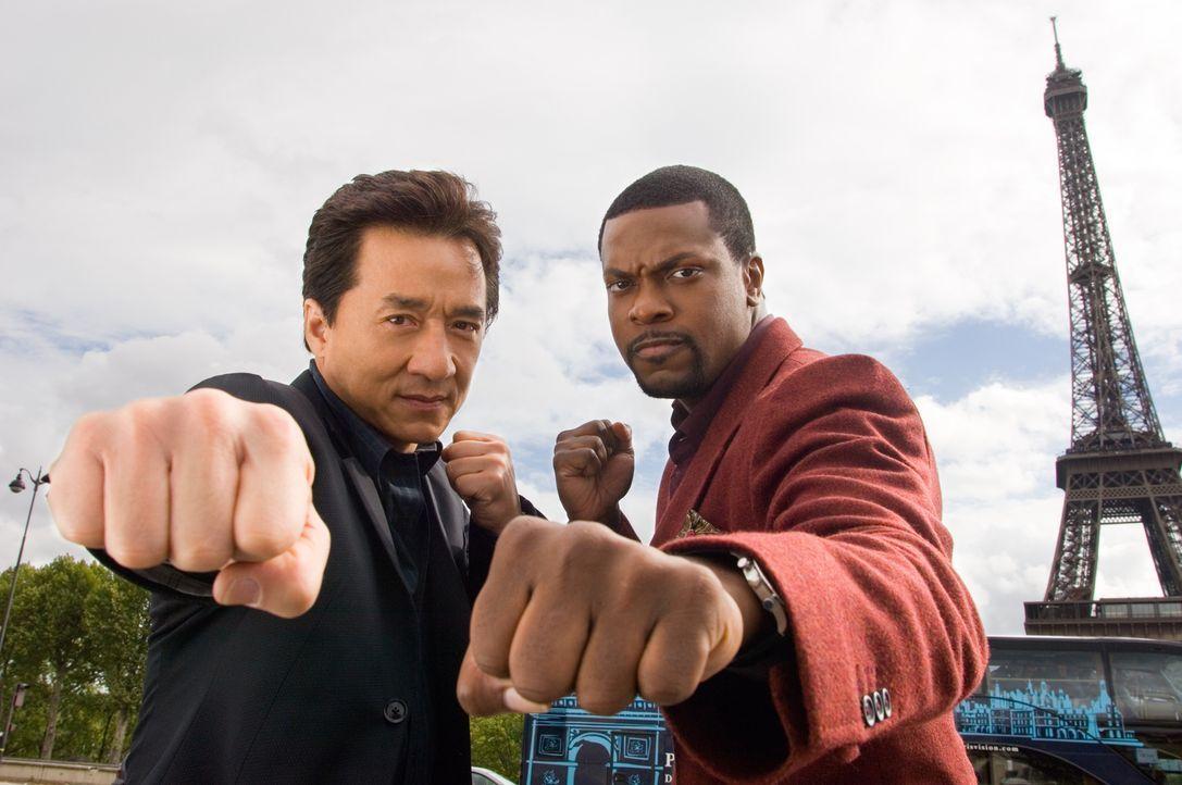 Detective Carter (Chris Tucker, r.) und Inspector Lee (Jackie Chan, l.) sind wieder da - allerdings nicht dort, wo sie hingehören: Diesmal mischen d... - Bildquelle: Warner Bros.