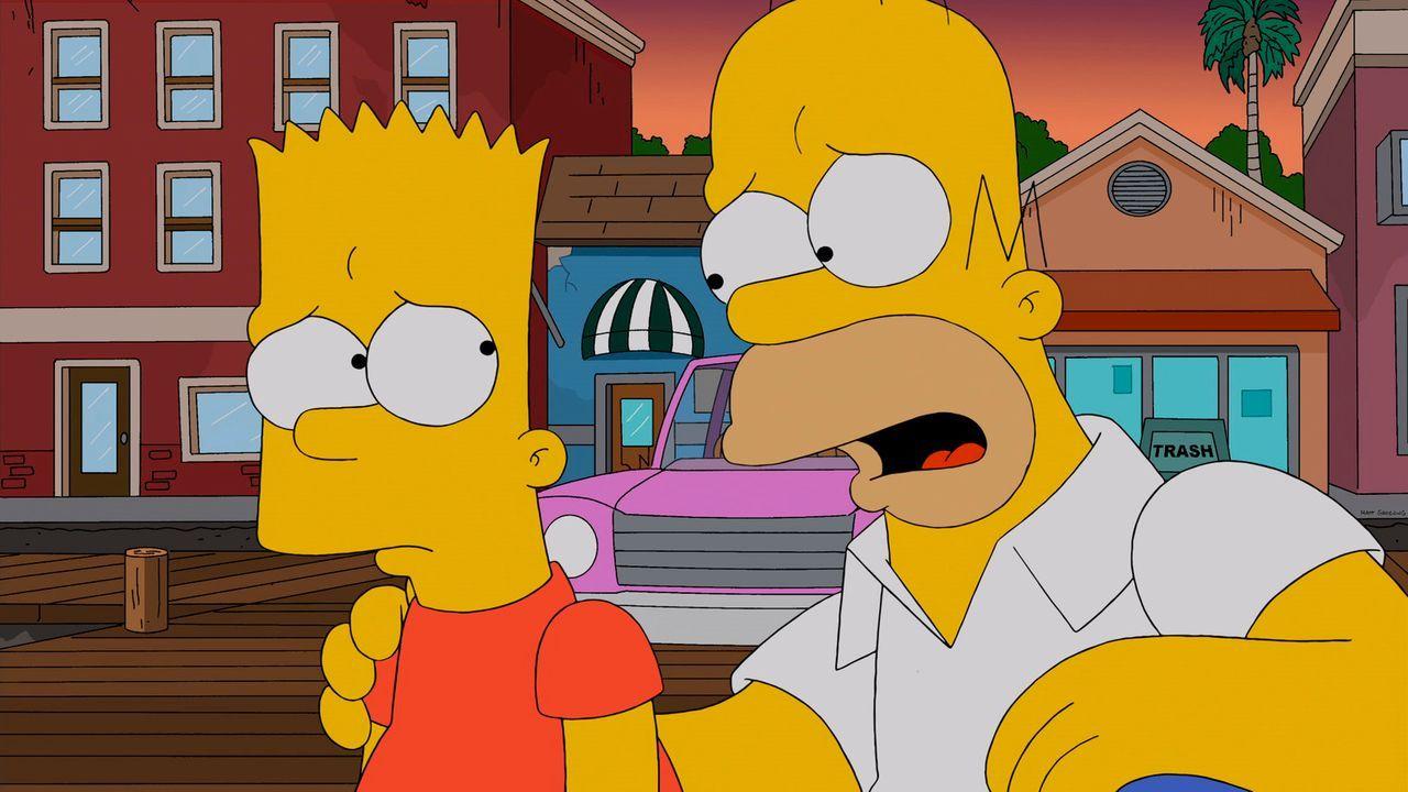 Wollen sich an Rektor Skinner rächen: Bart (l.) und Homer (r.) ... - Bildquelle: 2013 Twentieth Century Fox Film Corporation. All rights reserved.