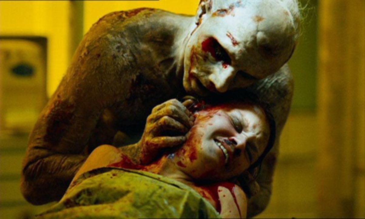 Unglücklicherweise fällt Mandy (Kelly Scott, liegend) dem U-Bahnmörder (Sean Harris, hinten) in die Hände, der sie sogleich in sein Laboratorium... - Bildquelle: TMG