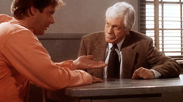 Tod Grimes (Scott Bryce, l.) wird des Mordes an seiner Frau Kim angeklagt. Ma...