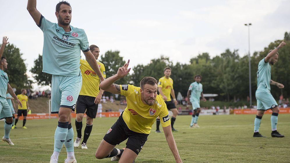 Weltmeister bezwungen: Levin Öztunali (l.) und der 1. FSV Mainz 05 haben Kev... - Bildquelle: imago