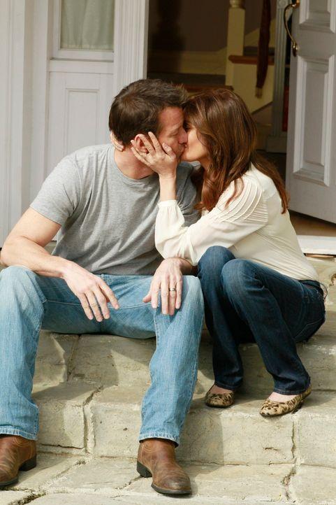 Sind glücklich miteinander: Susan (Teri Hatcher, r.) und Mike (James Denton, l.) ... - Bildquelle: Touchstone Pictures
