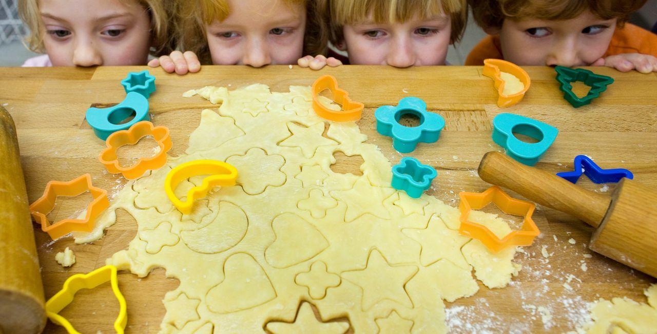 Jeden Tag eine WeihnachtsaktivitätJeden Tag steht eine weihnachtliche Aktivi... - Bildquelle: dpa - Picture Alliance