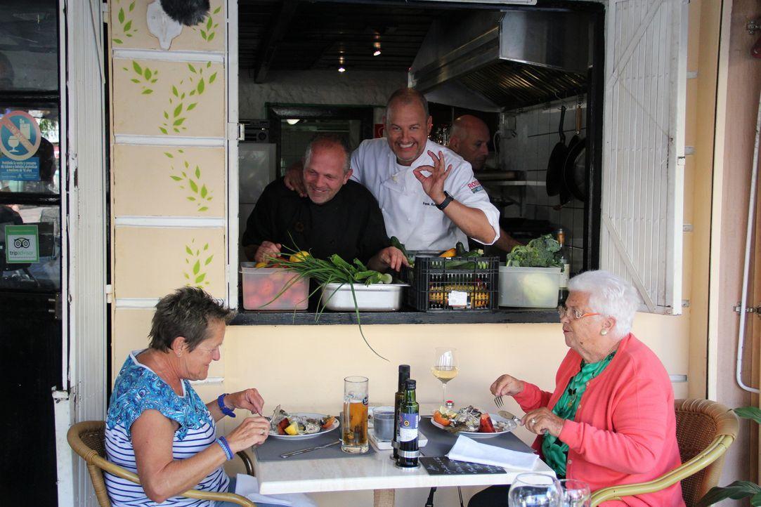 Hierzulande hat Zwei-Sterne-Koch Frank Rosin (M.) schon so manchem Restaurant wieder auf die Beine geholfen. Jetzt kommt seine Expertise im Ausland... - Bildquelle: kabel eins