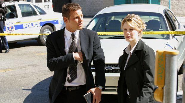 Dem Mörder auf der Spur: Chris Lassing (Justin Chambers, l.) und Det. Lilly R...