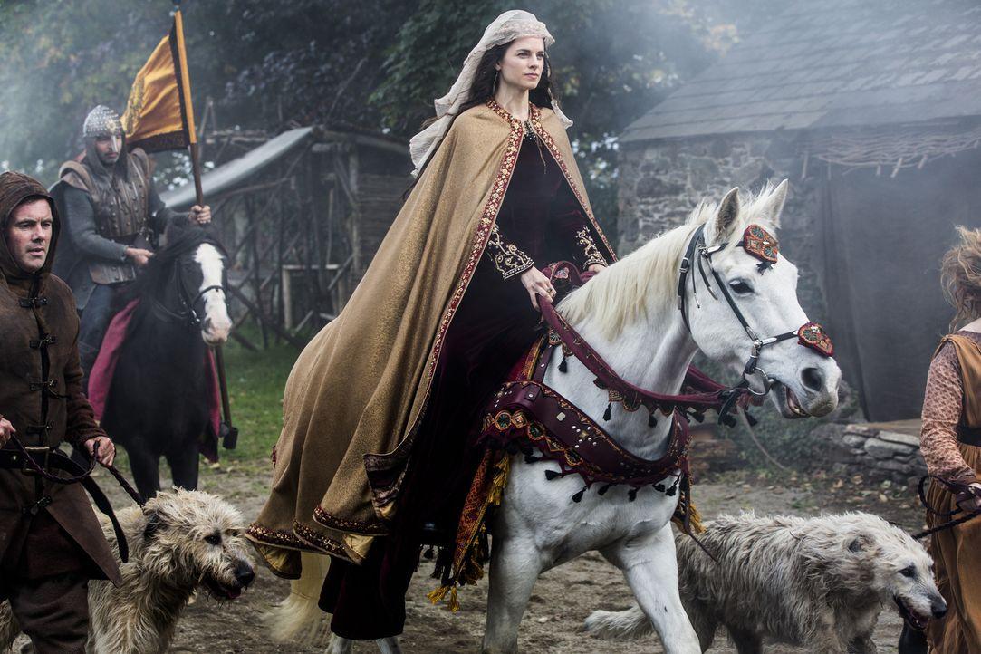 Die jüngste Prophezeiung von Prinzessin Aslaug wird wahr, als sie einen Sohn mit Missbildungen zur Welt bringt, während König Ecbert in Wessex Besuc... - Bildquelle: 2014 TM TELEVISION PRODUCTIONS LIMITED/T5 VIKINGS PRODUCTIONS INC. ALL RIGHTS RESERVED.