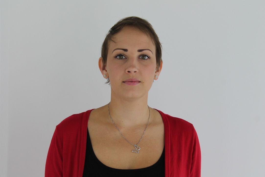 Die 26-jährige Nicola verlor durch die Chemotherapie ihre Haare. Nun hofft sie auf die Hilfe der Bodyfixer. Was diese mit ihren Haare anstellen, ber... - Bildquelle: Studio Lambert & all3media Int.
