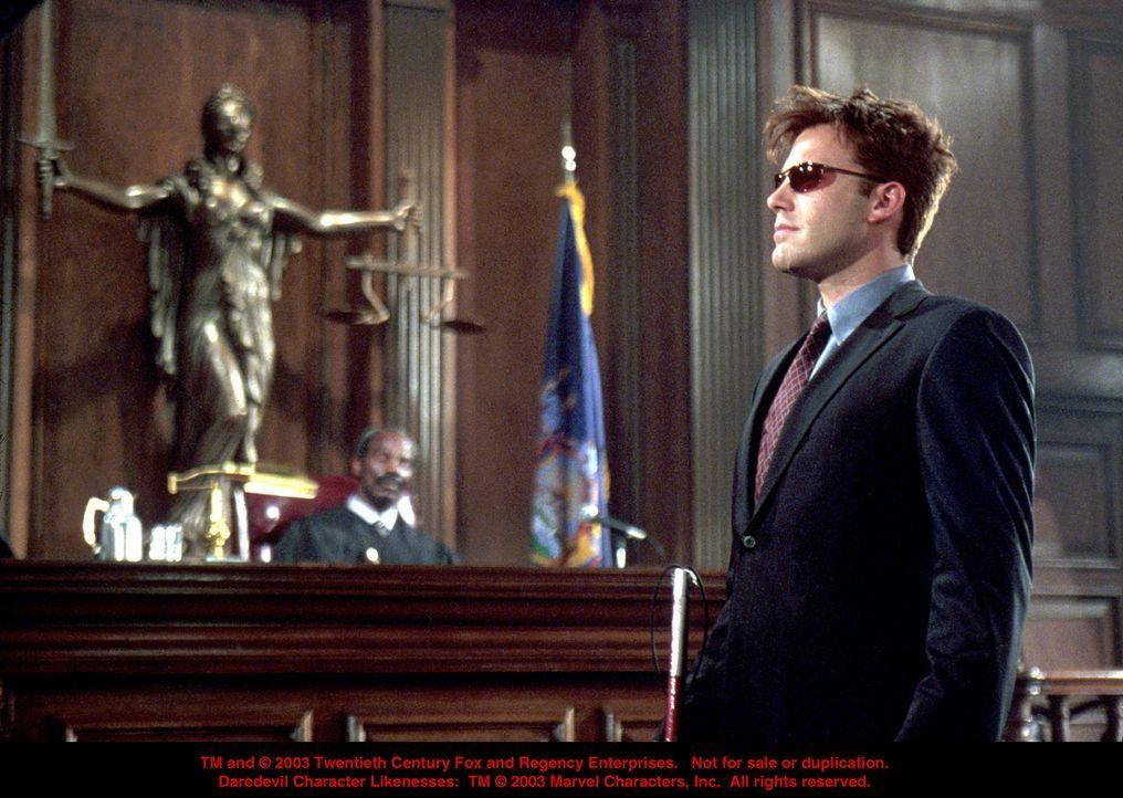 Tagsüber im Gerichtsaal zumeist auf verlorenen Posten, aber in der Nacht sorgt Matt Murdock (Ben Affleck), ein durch einen Chemikalienunfall erblin... - Bildquelle: 20th Century Fox