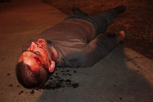 Homicide Hunter - Nachdem der Soldat und Familienvater Layne Schmidtke buchst...