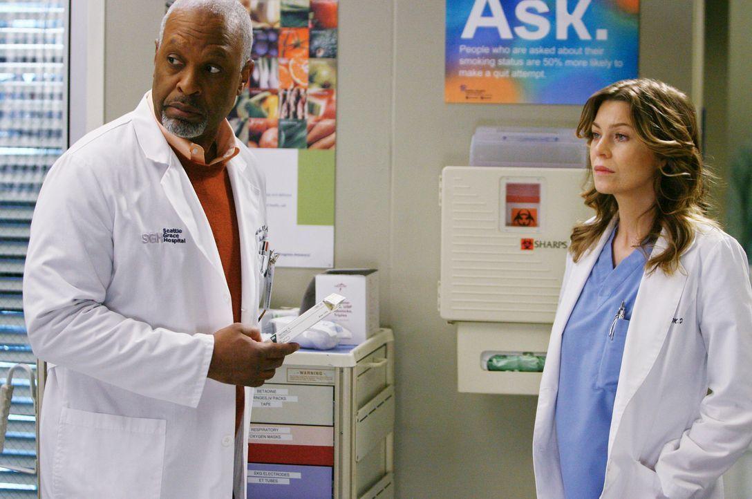 Zwischen Richard (James Pickens jr., l.) und Meredith (Ellen Pompeo, r.) kommt es wegen einer Behandlungsmethode zu einem Streit ... - Bildquelle: Touchstone Television