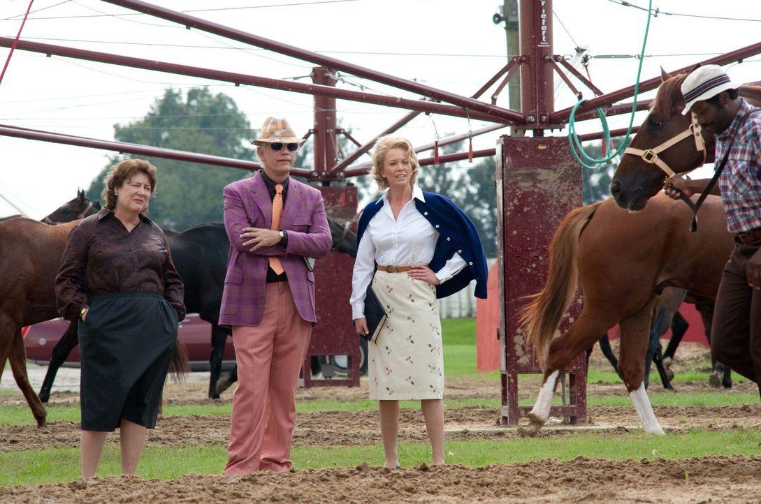 Ein langer Weg liegt vor der Hausfrau und Mutter Penny (Diane Lane, 2.v.r.). In dem von Männern dominierten Pferderennengeschäft muss sie erst ein... - Bildquelle: John Bramley Disney Enterprises, Inc.  All rights reserved