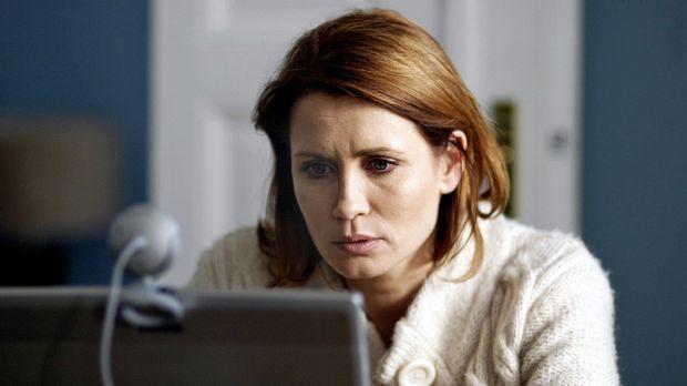 Der Amokläufer - Aus Spiel wird Ernst - Online nimmt Maren (Anja Kling) Konta...