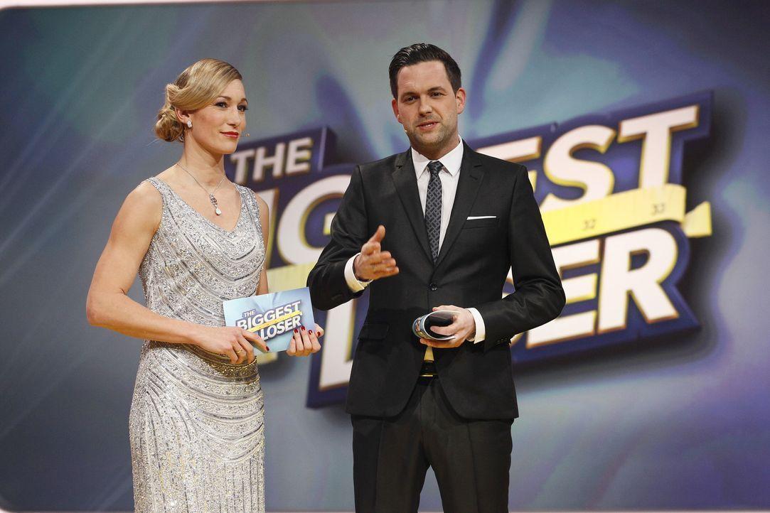 """Küren heute den Sieger zum """"The Biggest Loser 2015"""": Dr. Christine Theiss (l.) und Matthias Killing (r.) ... - Bildquelle: Guido Engels Sat.1"""