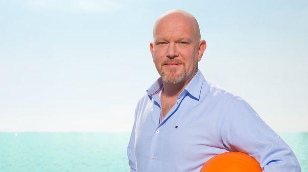 Urlaubsbetrügern auf der Spur: Reporter Peter Giesel reist mit seinem Team um...