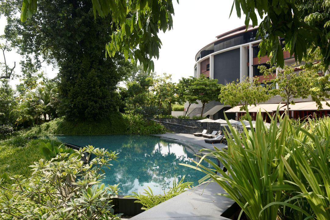 GNTM-Stf09-Epi01-Singapur-Poolshooting-27-ProSieben-Oliver-S - Bildquelle: ProSieben/Oliver S.