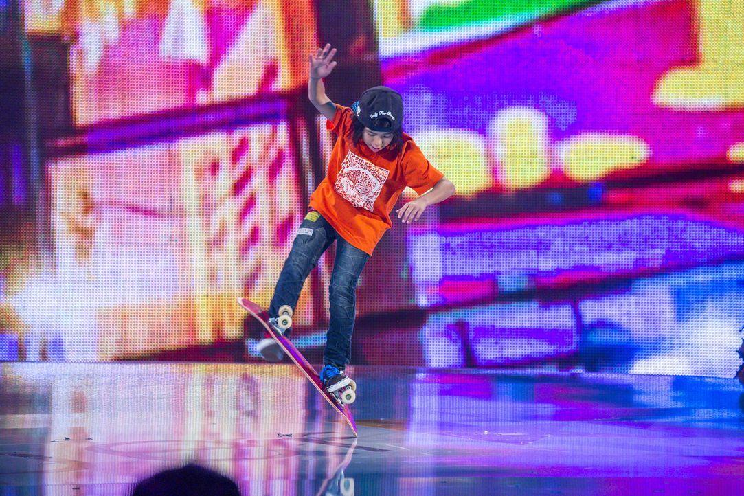 Auf dem Skateboard ist Isamu Yamamoto ein Ass. Doch reicht es um die Jury zu beeindrucken? - Bildquelle: Frank Dicks SAT.1