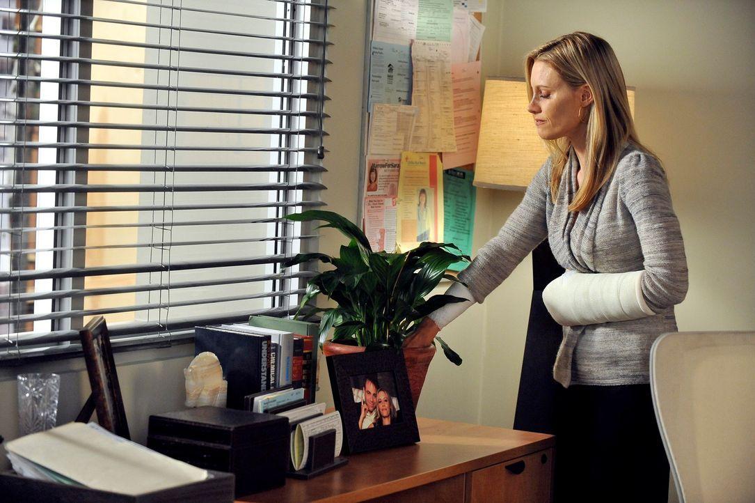 Während die vierzehnjährige Krebspatientin Elisa sich zwischen Chemo und Schamanentanz entscheiden soll, versucht Charlotte (KaDee Strickland) mit... - Bildquelle: ABC Studios