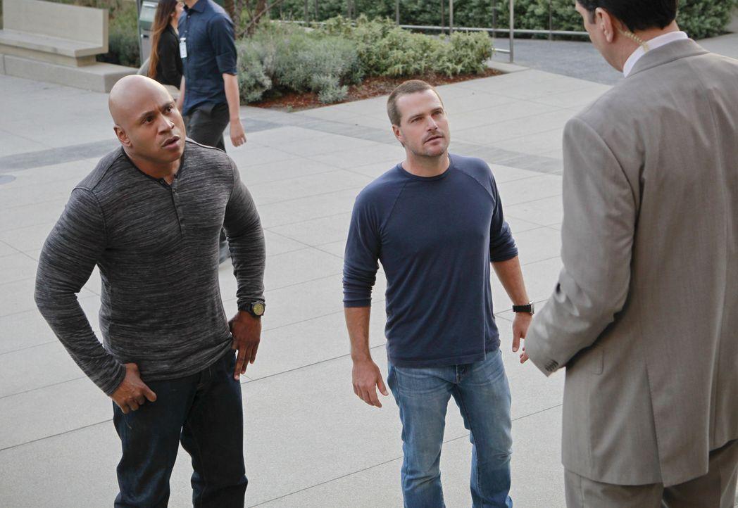 Müssen den Mord an einem Obdachlosen aufklären: Callen (Chris O'Donnell, M.) und Sam (LL Cool J, l.) ... - Bildquelle: CBS Studios Inc. All Rights Reserved.