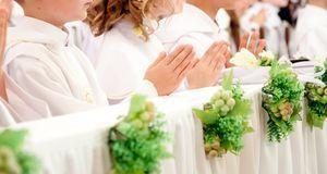 Später wurde die Erstkommunion und auch die Konfirmation auf den Weißen Sonnt...