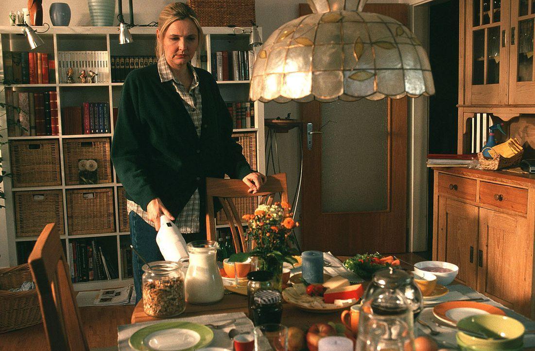 Marie (Katharina Schubert) sorgt dafür, dass es ihrem Mann und ihren beiden Kindern an nichts fehlt. Doch mit der Zeit hat ihr (Ehe-)Leben jeglichen... - Bildquelle: Ronny Lang Sat.1