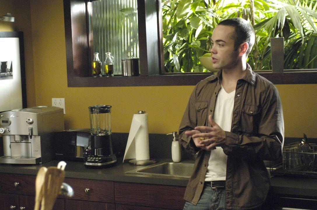 Matt (John Hensley) hat es nicht leicht: Erst erwischt er seine Mutter mit Quentin im Bett und dann sieht er seinen Vater mit einer fremden Frau und... - Bildquelle: TM and   2005 Warner Bros. Entertainment Inc. All Rights Reserved.