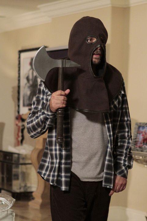 Versucht Halloween-Hasserin Dallas davon zu überzeugen, dass Halloween auch Spaß machen kann: George (Jeremy Sisto) ... - Bildquelle: Warner Bros. Television