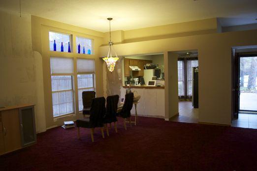 Können Josh Temple und sein Team aus diesem Esszimmer einen Designer-Lounge m...