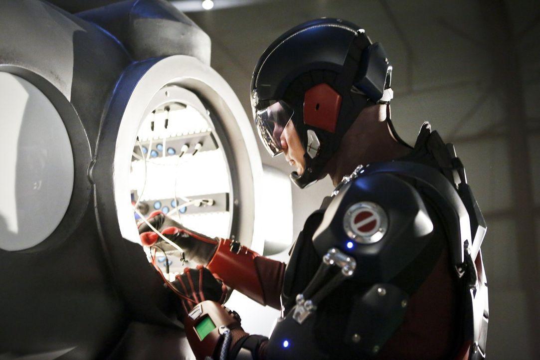 Ray alias The Atom (Brandon Routh) will sein eigenes Schicksal zurückerobern, aber ist das überhaupt möglich oder handelt er schließlich doch genau... - Bildquelle: 2015 Warner Bros.