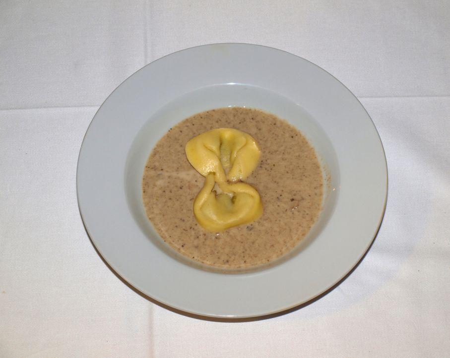 """So sollte das Essen im Traditionsrestaurant """"Hirsch"""" zukünftig aussehen. - Bildquelle: kabel eins"""
