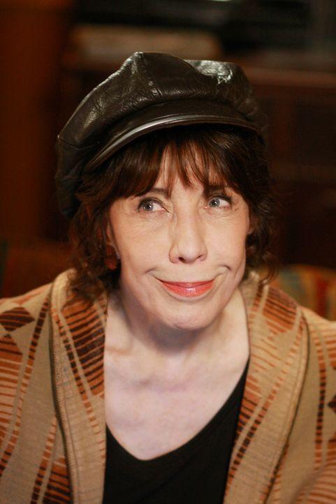 Mrs. McCluskeys Schwester Roberta (Lily Tomlin) entdeckt eine beunruhigende Tatsache über Dave ... - Bildquelle: ABC Studios