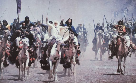 Lawrence von Arabien - Die vereinten arabischen Stämme ziehen, vom britischen...