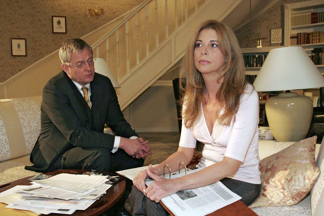 Ehekrise: Friedrich (Wilhelm Manske, l.) und Laura (Olivia Pascal, r.) bekommen ihre Probleme nicht in den Griff ... - Bildquelle: Monika Schürle Sat.1