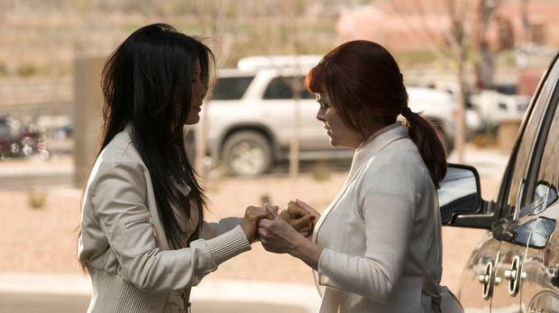 Zusammen gegen den Rest der Welt: Ahn Li (Kelly Hu, l.) und Helen (Sherilyn F...