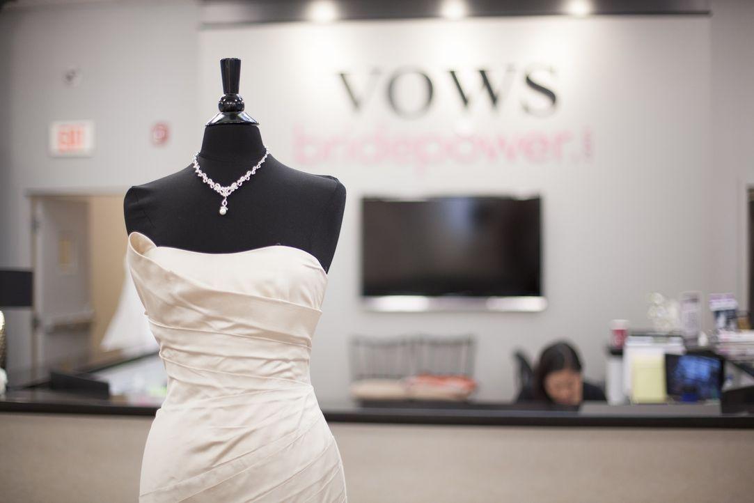 Nicht jedes Designer-Kleid muss immer sofort das Budget der Heiratswilligen sprengen ... - Bildquelle: TLC