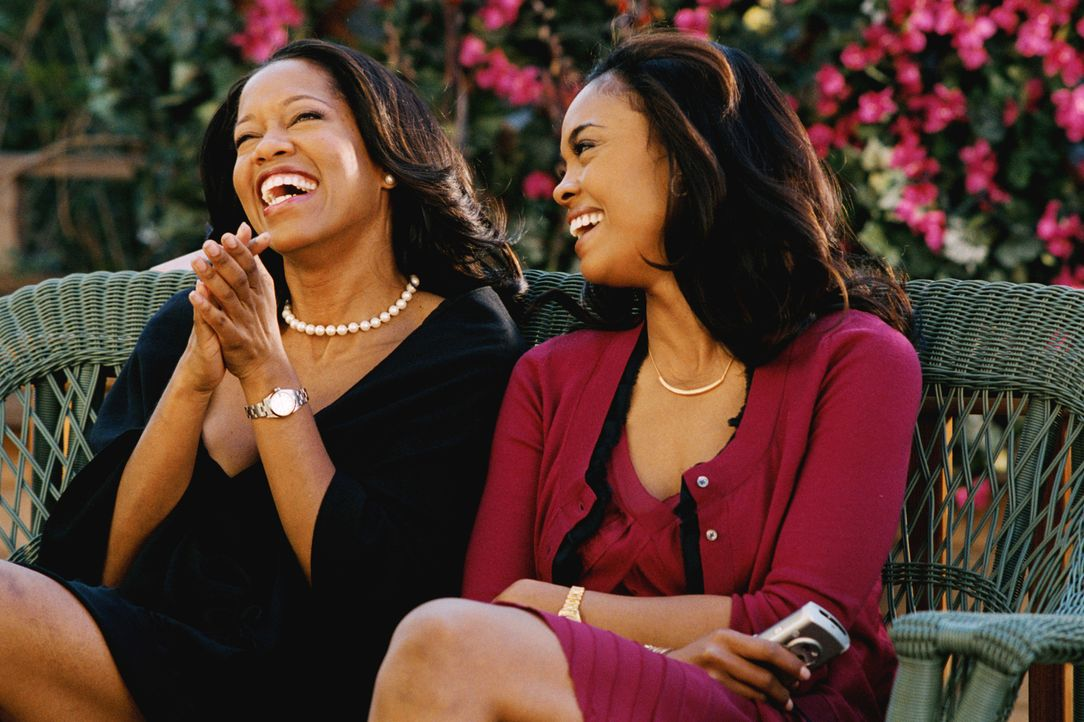 Während Lisa (Regina King l.) glücklich als Hausfrau und Mutter ist, hat ihre jüngere Schwester Kelli (Sharon Leal, r.) nur ihre Karriere im Sinn. A... - Bildquelle: CPT Holdings, Inc.  All Rights Reserved.