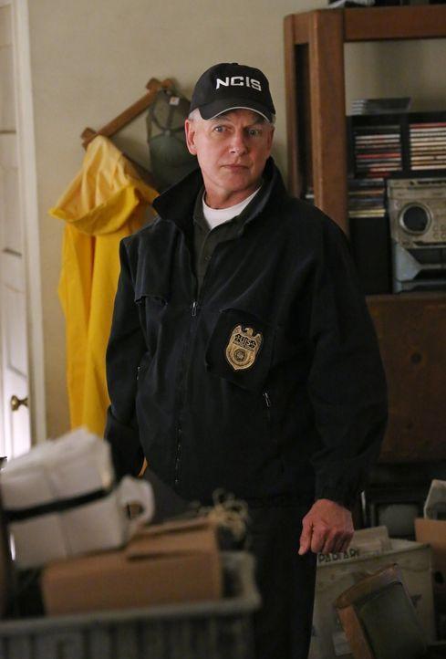Auf der Jagd nach den Drahtziehern eines schmutzigen Geschäfts mit gefälschten Schutzwesten: Gibbs (Mark Harmon) ... - Bildquelle: CBS Television