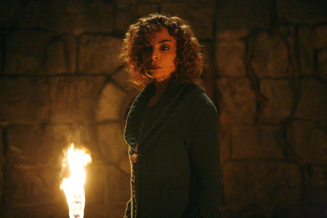 Will endlich mit der Vergangenheit abschließen und die Vampire vernichten: Sheila (Jasmine Guy) ... - Bildquelle: Warner Bros. Television