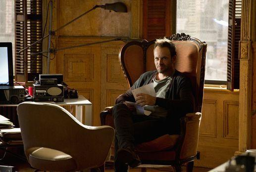 Elementary - Versucht, einen neuen Fall zu lösen: Sherlock Holmes (Jonny Lee...